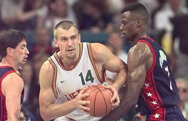 Lithuanian-basketball-legends-Gintaras-Einikis